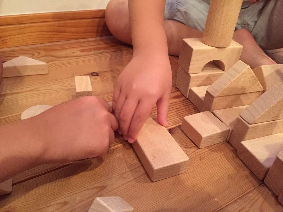 赤ちゃん0歳児積み木
